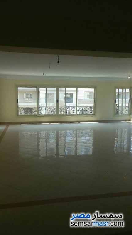 Photo 3 - Apartment 4 bedrooms 3 baths 350 sqm extra super lux For Rent New Nozha Cairo