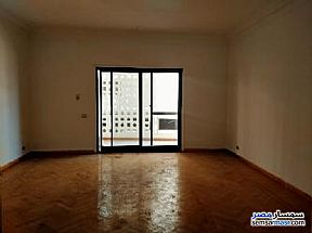 Ad Photo: Apartment 4 bedrooms 3 baths 220 sqm super lux in Maadi  Cairo