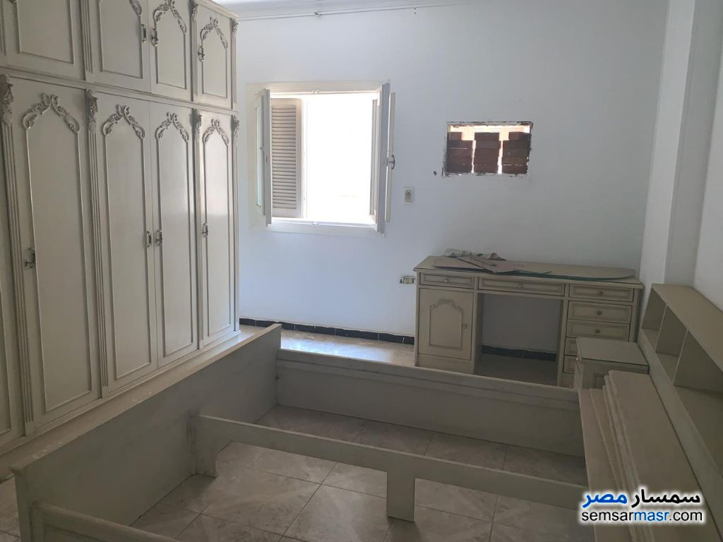 Photo 15 - Apartment 3 bedrooms 2 baths 300 sqm extra super lux For Rent Maadi Cairo