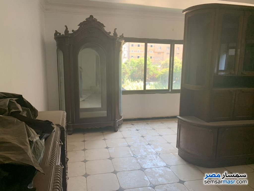 Photo 3 - Apartment 3 bedrooms 2 baths 300 sqm extra super lux For Rent Maadi Cairo