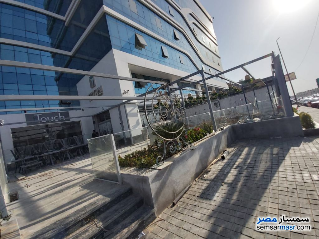 Photo 2 - Commercial 247 sqm For Sale Fifth Settlement Cairo