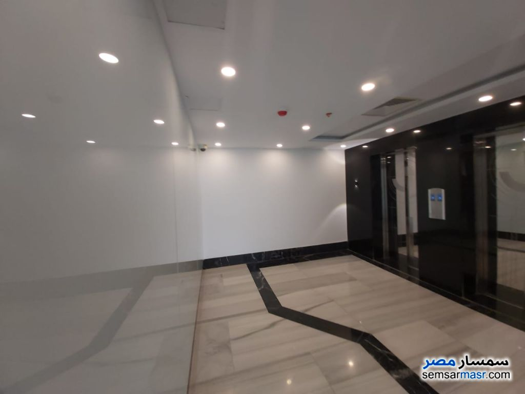 Photo 3 - Commercial 247 sqm For Sale Fifth Settlement Cairo