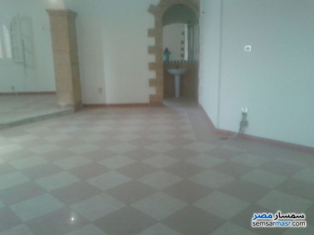 Photo 1 - 4 bedrooms 4 baths 300 sqm super lux For Rent Sheraton Cairo