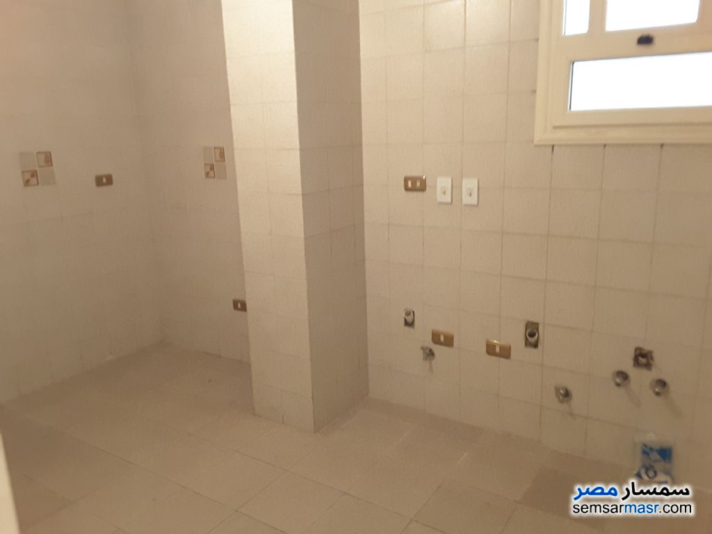Photo 4 - Apartment 2 bedrooms 1 bath 165 sqm extra super lux For Rent Sheraton Cairo