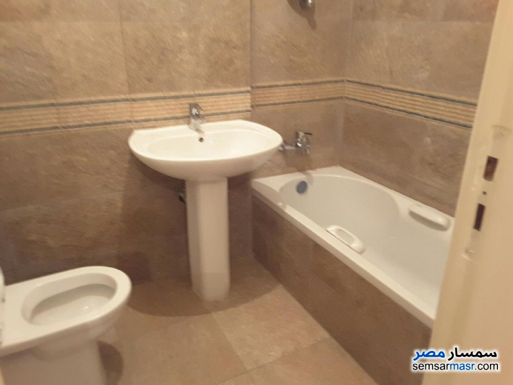 Photo 10 - Apartment 2 bedrooms 1 bath 165 sqm extra super lux For Rent Sheraton Cairo