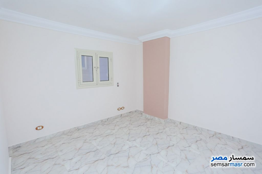 Photo 10 - Apartment 2 bedrooms 1 bath 80 sqm super lux For Rent Sporting Alexandira