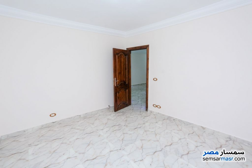 Photo 11 - Apartment 2 bedrooms 1 bath 80 sqm super lux For Rent Sporting Alexandira