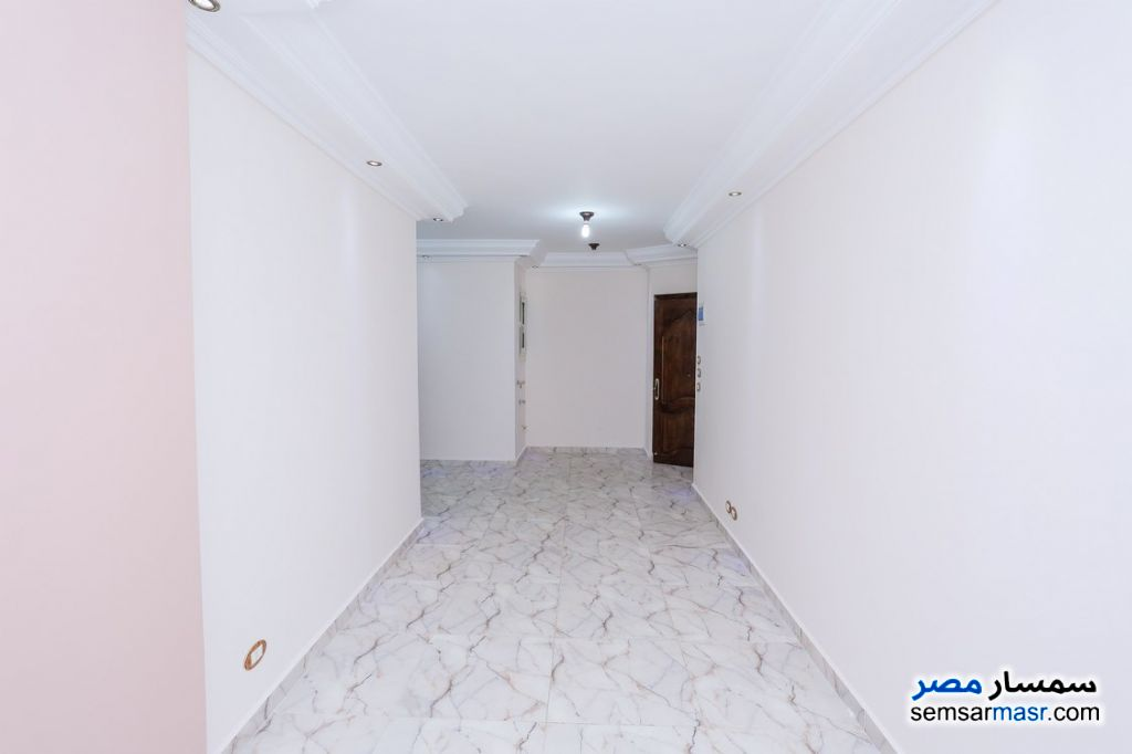 Photo 3 - Apartment 2 bedrooms 1 bath 80 sqm super lux For Rent Sporting Alexandira