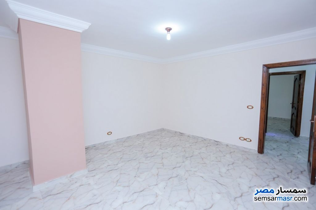 Photo 8 - Apartment 2 bedrooms 1 bath 80 sqm super lux For Rent Sporting Alexandira