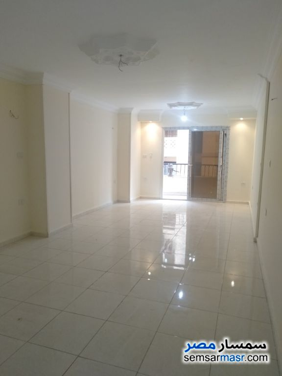 Photo 1 - Commercial 140 sqm For Rent Haram Giza
