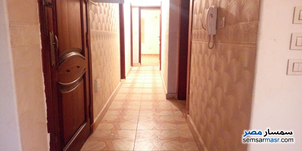 Ad Photo: Apartment 5 bedrooms 2 baths 190 sqm super lux in Madinaty  Cairo
