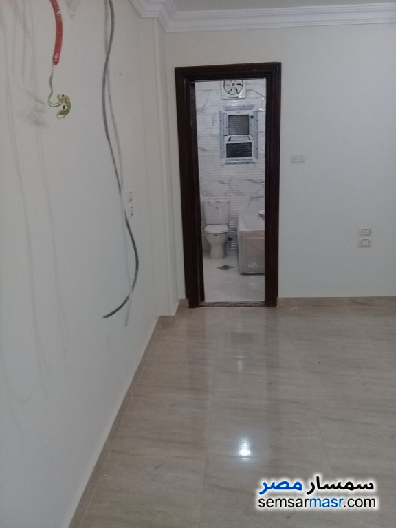 Photo 1 - Apartment 3 bedrooms 1 bath 160 sqm super lux For Rent Mohandessin Giza