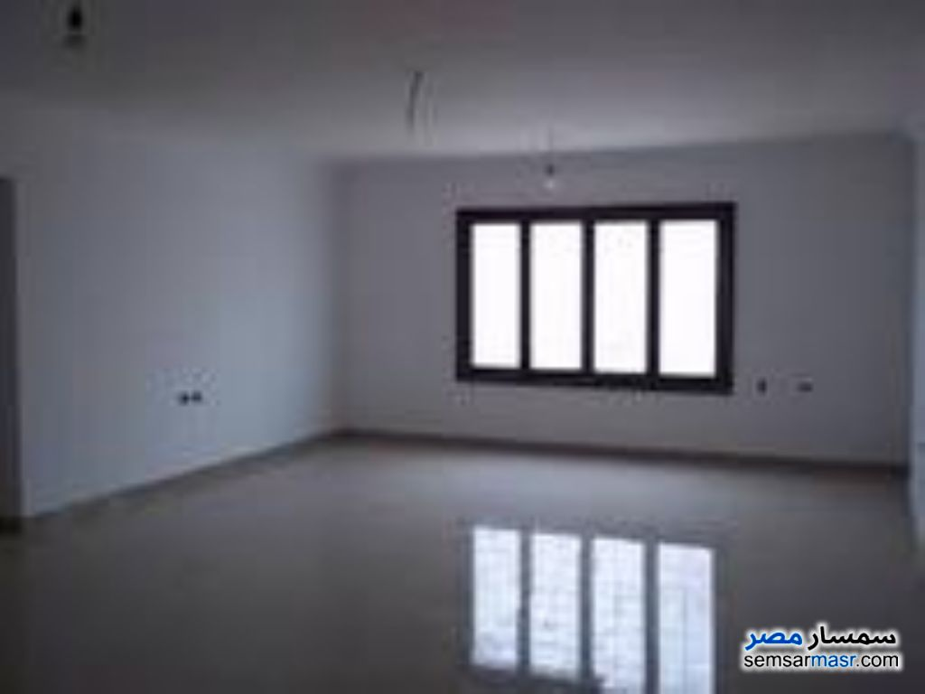 Photo 1 - Commercial 2,000 sqm For Rent Haram Giza