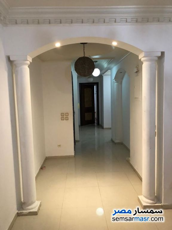 Ad Photo: Apartment 3 bedrooms 2 baths 180 sqm super lux in Giza
