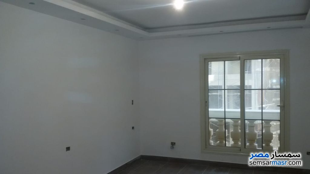Photo 3 - Apartment 3 bedrooms 2 baths 230 sqm extra super lux For Rent Maadi Cairo