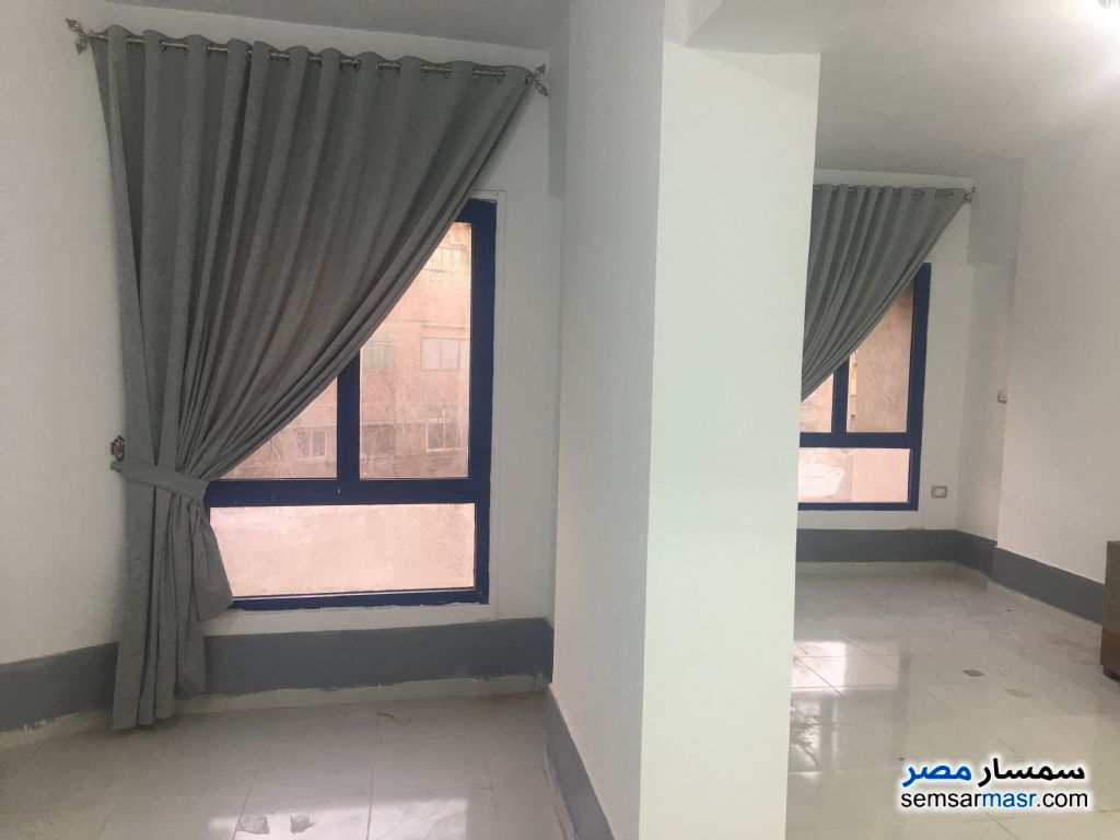 Ad Photo: Apartment 3 bedrooms 1 bath 114 sqm extra super lux in Downtown Cairo  Cairo