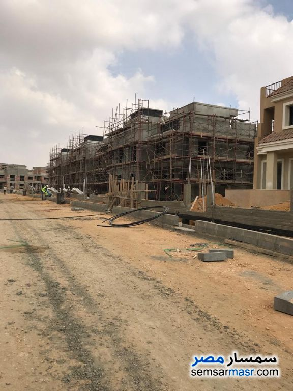Ad Photo: Villa 5 bedrooms 5 baths 290 sqm without finish in Madinaty  Cairo