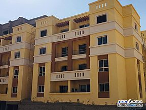 Ad Photo: Apartment 4 bedrooms 2 baths 160 sqm semi finished in Districts  6th of October