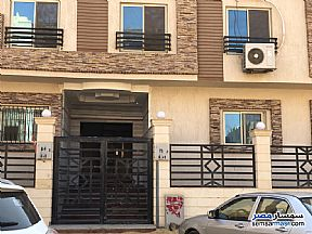 Ad Photo: Apartment 3 bedrooms 2 baths 135 sqm without finish in Third District  Cairo