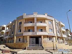 Ad Photo: Apartment 4 bedrooms 2 baths 250 sqm semi finished in First Settlement  Cairo