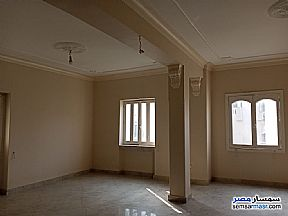 Ad Photo: Apartment 3 bedrooms 1 bath 130 sqm extra super lux in Heliopolis  Cairo