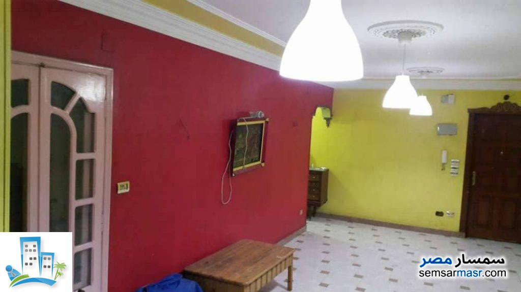 Ad Photo: Apartment 2 bedrooms 1 bath 140 sqm super lux in Shubra  Cairo