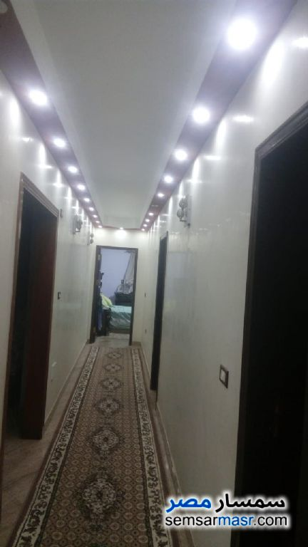 Photo 10 - Apartment 3 bedrooms 1 bath 152 sqm extra super lux For Sale Zeitoun Cairo