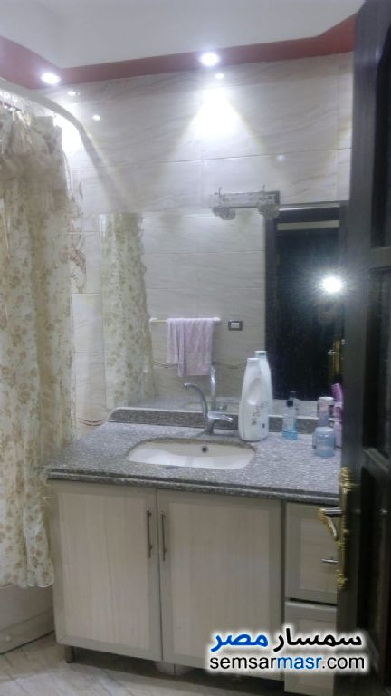 Photo 4 - Apartment 3 bedrooms 1 bath 152 sqm extra super lux For Sale Zeitoun Cairo