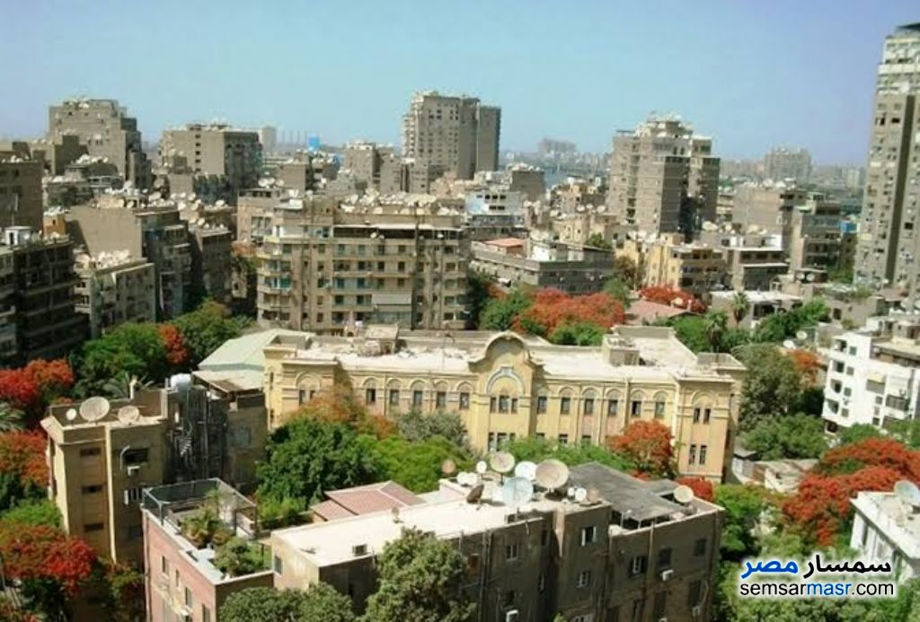 Ad Photo: Apartment 2 bedrooms 2 baths 120 sqm lux in Zamalek  Cairo