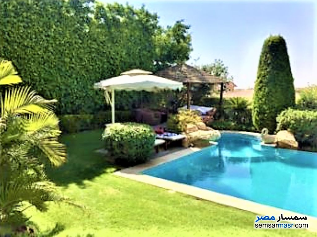 Ad Photo: Villa 7 bedrooms 5 baths 2060 sqm extra super lux in First Settlement  Cairo
