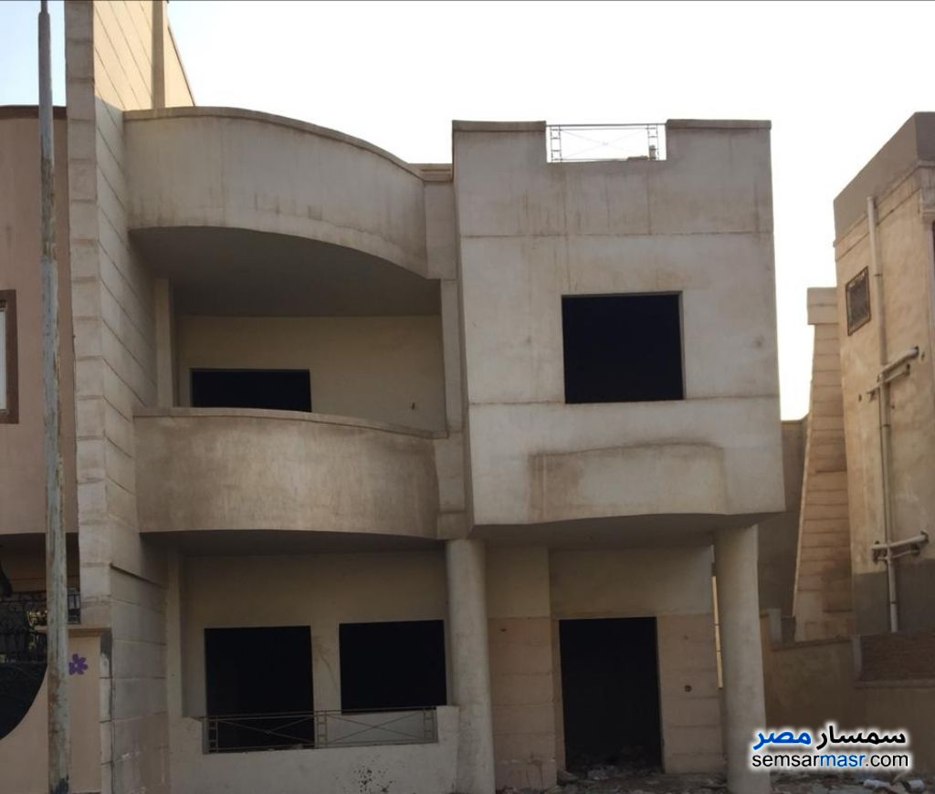 Photo 1 - Villa 5 bedrooms 3 baths 300 sqm without finish For Sale Maadi Cairo