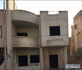 Ad Photo: Villa 5 bedrooms 3 baths 300 sqm without finish in Maadi  Cairo