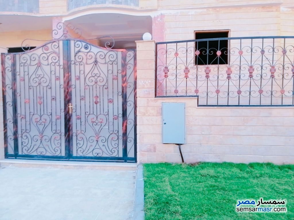 Photo 2 - Apartment 3 bedrooms 2 baths 175 sqm semi finished For Sale El Ubour City Qalyubiyah