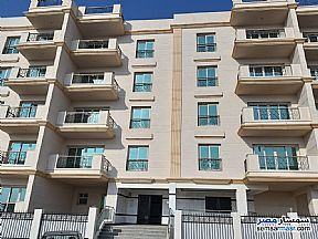 Ad Photo: Apartment 5 bedrooms 3 baths 292 sqm without finish in Maadi  Cairo