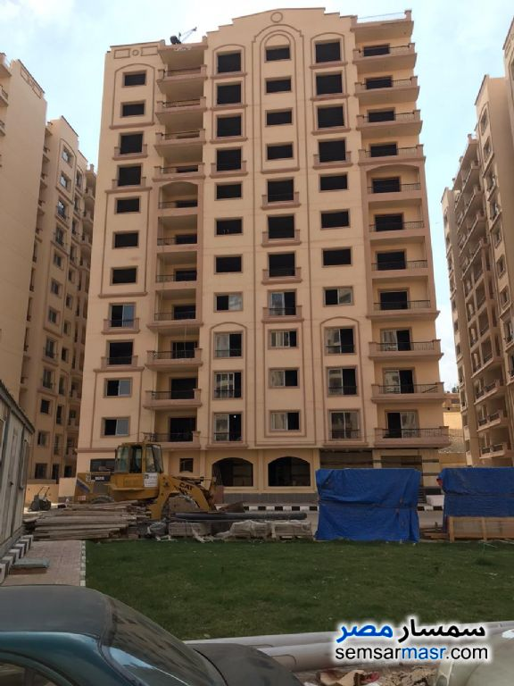 Ad Photo: Apartment 3 bedrooms 3 baths 164 sqm semi finished in Nasr City  Cairo