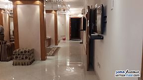 Ad Photo: Apartment 3 bedrooms 2 baths 165 sqm in Zamalek  Cairo