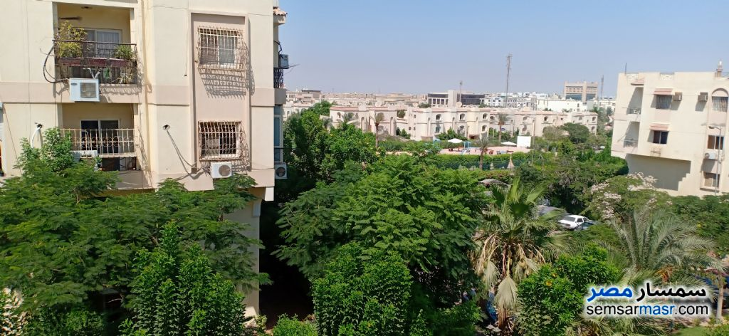 Ad Photo: Apartment 3 bedrooms 2 baths 140 sqm extra super lux in Hadayek El Mohandessin  6th of October