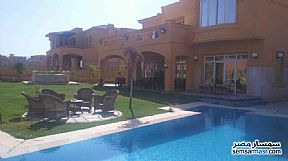 Ad Photo: Villa 5 bedrooms 4 baths 1300 sqm extra super lux in Fifth Settlement  Cairo
